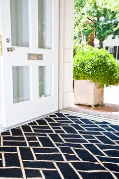 black and white dhurrie rug | lulu dk