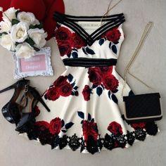 Vestido Caroline No Neoprene C/ BOJO( Estampa Rosas/fundo Off)