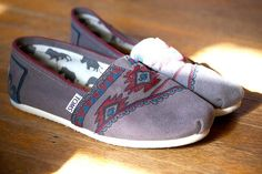 Toms Classics Women Wine Shoes Charming : Toms Outlet*Cheap Toms Shoes Online* Welcome to Toms Outlet.Toms outlet provide high quality toms shoes*best cheap toms shoes*women toms shoes and men toms shoes on sale.You will enjoy the best shopping. Cheap Toms Shoes, Toms Shoes Outlet, Vanz, Disney Toms, Painted Shoes, Favim, Crazy Shoes, Dream Shoes, Doc Martens