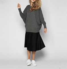 Oversized sweater with ribbed batwing raglan sleeves and seam-line pockets in the sides. Made in the softest llama wool, collected and crafted in it's origin, the highlands of Bolivia. Minimal Fashion, Smart Casual, Capsule Wardrobe, Seventeen, What To Wear, Normcore, Street Style, Style Inspiration, My Style