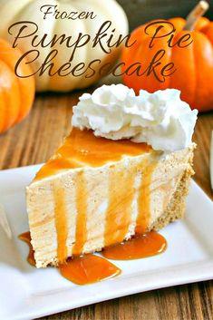 Frozen Pumpkin Pie Cheesecake – no baking required with this smooth and creamy seasonal pie. Brownie Desserts, Oreo Dessert, Mini Desserts, Coconut Dessert, Pumpkin Dessert, Pumpkin Cakes, Diy Pumpkin, Baking Desserts, Fall Desserts