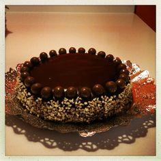 Tarta de chocolate y almendra.