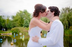 Bride and Groom. Outdoor Meijer Gardens Wedding (Smith Gallery Photography)