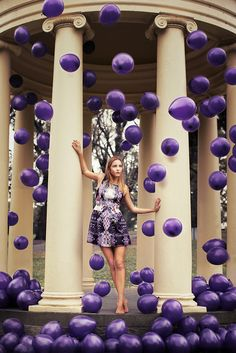 How about this for a unique senior photo idea! The balloons could be the school colors! #senior #photos #togally