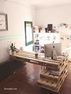 lasrtaglez blog: 28 candles, NOW! Pallet Desk - chopped & stacked