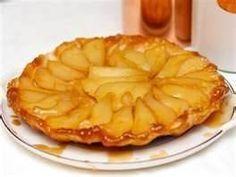 Een omgekeerde perentaart met walnoten - Plazilla.com