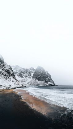 Landscape Photography, Nature Photography, Travel Photography, Iceland Wallpaper, Lofoten Islands Norway, Norway Winter, Farne Islands, Winter Beach, Aesthetic Backgrounds