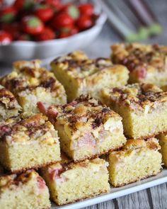Food Cakes, Vanilla Cake, Chocolate Cake, French Toast, Breakfast, Desserts, Cakes, Chicolate Cake, Morning Coffee