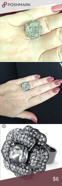 Diamond flower cocktail ring Stunning faux diamond cocktail ring. Looks identical to Stella & Dot flower ring (shown in 3rd photo). Jewelry Rings