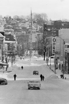 Standing on Northampton Street looking East toward Phillipsburg on February 12, 1983, downtown Easton looks deserted.