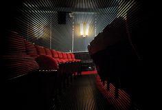 SHADOW DAYS (China 2014) am 11. + 12.11.2014 im METROPOLIS Kino Hamburg in Anwesenheit des Regisseurs Zhao Dayong. Links zu Filmbesprechungen und einem Q&A mit Zhao Dayong sowie den Filmtrailer gibt es hier: http://filmteamcolon.blogspot.de/2014/11/shadow-days-1111-12112014-im-metropolis.html?spref=tw