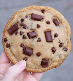 Single-Serving Giant Chocolate Chip Cookie – Six Vegan Sisters Tasty Vegetarian Recipes, Vegan Dessert Recipes, Vegan Sweets, Healthy Sweets, Whole Food Recipes, Protein Desserts, Healthy Food, Cooking Recipes, Single Serve Cookie