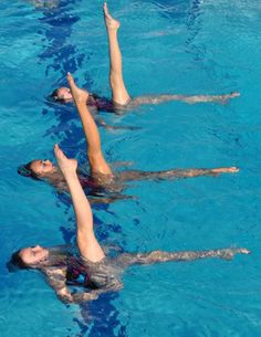 photos of synchronized swimming