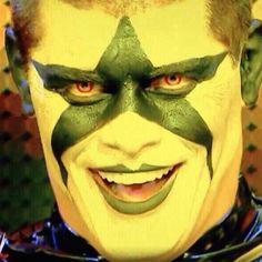 Arrow aceita o desafio e vai entrar no ringue contra Stardust