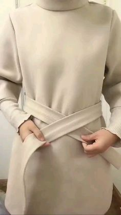 Casual Outfits, Hijab Casual, Cute Summer Outfits, Cute Outfits, Tie Scarves, How To Wear Scarves, Diy Fashion Hacks, Fashion Tips, Modest Fashion