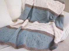 Knit Blanket Pattern, Knit Throw Pattern, Knit Heart Blanket - Seaside Blanket - Knitting Patterns by Deborah O'Leary Knitted Throw Patterns, Knitted Afghans, Easy Knitting Patterns, Knitted Baby Blankets, Knitted Blankets, Knitting Projects, Knitting Stitches, Manta Crochet, Knit Crochet