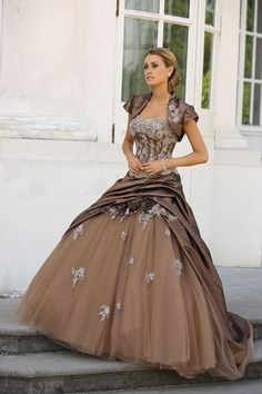 robe de mariée couture taupe chocolat ivoire ladybird / Carnet d'inspiration Mademoiselle Cereza