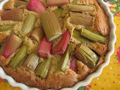 Busy fingers, busy life...: Rhubarb Pie!