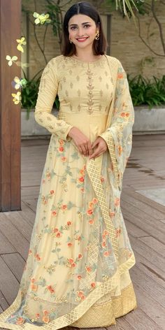 Photo shared by PRACHI DESAI on October 2019 tagging and Image may contain: one or more people and people standing Lehenga Choli, Saree, Bollywood Suits, Prachi Desai, Yellow Suit, Most Beautiful Indian Actress, Sherwani, Indian Designer Wear, Ethnic Fashion