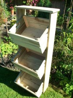 Vintage-Style-farmhouse-wooden-apple-crate-herb-garden-plant-stand