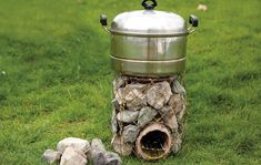 DIY Rocket Stove Out Of Stones And Coat Hangers - SHTF Preparedness