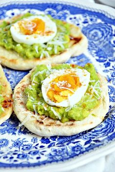 Avocado Egg, Avocado Toast, Breakfast Time, Food And Drink, Pizza, Eggs, Gastronomia, Recipies, Egg