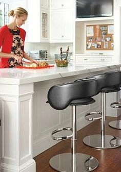 Perfect for modern décor, the Capri Bar Stool boasts a sleek design and smooth hydraulic gas-lift for adjustable height.