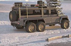 Is this a real Land Rover Defender ? 6x6 Truck, Suv Trucks, Jeep Truck, Cool Trucks, Suv Cars, Defender Camper, Land Rover Defender 110, Landrover Defender, Off Road Camping