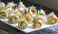 These Cucumber Ham & Cheese pinwheels are perfect for a party. No cooking or baking required and always a crowd favorite! Sunshine Cookies, Ham And Cheese Pinwheels, Low Carb Brasil, Backyard Cookout, Hot Sausage, Cream Cheese Spreads, Ice Cream Cookie Sandwich, Fresh Salsa, Thing 1