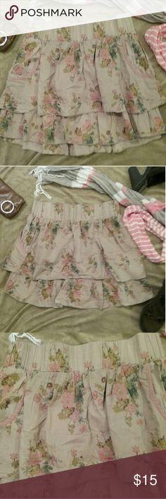 """Cute Ruffle Skirt Blue Asphalt- Cute Ruffle Skirt  - sz medium- 100% cotton - 😍 2 Pockets !😍 - waist measured 14"""" flat across and length measured 15"""" -  item  # 30 Blue Asphalt Skirts"""