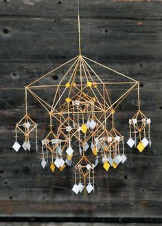 """By Per-Åke Backman, Sweden """"Teaterbåten"""" Straw Crown Foto Lennart Edvardsson Straw Projects, Diy Projects To Try, Mobiles, Baby Crafts, Diy And Crafts, Arts And Crafts, Straw Sculpture, Straw Decorations, Straw Art"""