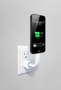 Trunk charging cable: genius for eliminating cord nests