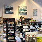 HOBBYKUNST Norge (@hobbykunst) • Instagram photos and videos Liquor Cabinet, Photo Wall, Photo And Video, Videos, Frame, Photos, Instagram, Home Decor, Pictures