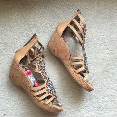 BRAND NEW SAM EDELMAN SANDALS!! Super cute Sam Edelman Shoes Sandals