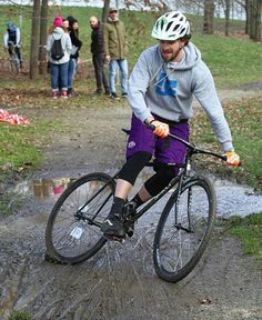 Repost @nowheresyl  .  Use #fixedboys to be featured!  . #skid #crossbike #fixedgear #fixie #trackbike #dirty #fixedgearfreestyle #cyclecross #trackcross #cxss by fixed.boys