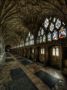 The cloister of Gloucester Cathedral, England, was built in century. Each crevice of the cathedral was detailed with care and exaction. Gothic Architecture, Beautiful Architecture, Beautiful Buildings, Beautiful Places, Amazing Places, Places Around The World, Around The Worlds, Gloucester Cathedral, Art Français
