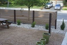 Front Yard Patio, Modern Front Yard, Modern Fence, Fenced In Yard, Front Yard Landscaping, Front Yard Fence Ideas, Diy Fence, Modern Landscape Design, Modern Landscaping