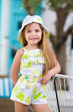 Best 12 Moda babys – SkillOfKing.Com Baby Girl Fashion, Toddler Fashion, Kids Fashion, Frocks For Girls, Kids Frocks, Kids Gown, Handmade Baby Clothes, Young Fashion, Cute Baby Girl