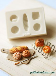 Dollhouse Miniature Food /& Groceries Supply Accs Handcrafted Mooncakes 9pcs