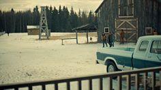 "Fargo 2x02 ""Before The Law"" - Dodd Gerhardt (Jeffrey Donovan), Bear Gerhardt (Angus Sampson), Charlie Gerhardt (Allan Dobrescu) & Hanzee Dent (Zahn McClarnon)"