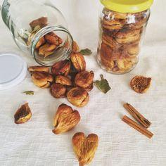 Fichi secchi ripieni e glassati al cioccolato