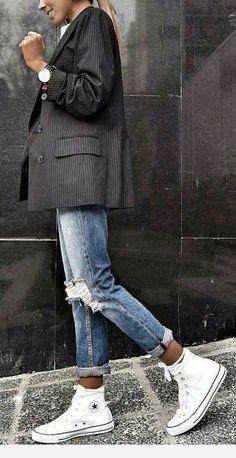 Abiti sportivi: Descrizione looks.tn / The post Abiti sportivi: Descrizione looks.tn / # outfit Stile alla moda appeared first on Italy Moda. Fashion Mode, Look Fashion, Winter Fashion, Fashion Trends, Sporty Fashion, Womens Fashion, Sporty Style, Sneakers Fashion, Fashion Ideas
