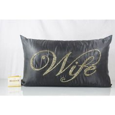 This Black Silk #Wife Cut dana Work in gold color, features back zip; comes with compress poly filler
