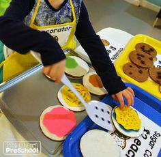 Cookie Shop Dramatic Play from Play to Learn Preschool