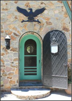 Thunderbird Lodge: love the green door via Make Them Wonder blog