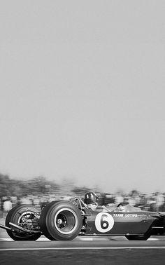 Graham Hill (Lotus-Ford 49) Grand Prix de Grande Bretagne 1967 - Silverstone 1967 - UK Racing History.