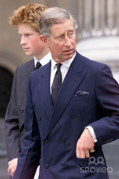 Alpha 048995 11.09.2002 Prince Charles & Prince Harry -Service to Commemorate the First Anniversary of the 9/11 Terrorist Attacks at St. Pauls Cathedral, London Photo By:alpha/Globe Photos, Inc