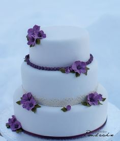 Torta de novios violeta Violet wedding cake