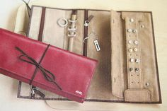 Christmas 2007: Jewelry Wrap Tutorial by africankelli, via Flickr