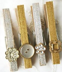 Bling Wooden Clothespins With Glitter, Paint And Buttons ~ DIY Fun Crafts, Crafts For Kids, Arts And Crafts, Wooden Clothespins, Glitter Clothespins, Bling, Button Crafts, Crafty Craft, Dorm Decorations